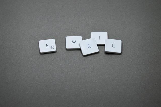 e-mail elhanda.com